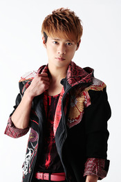 Small_profile_tsujimoto